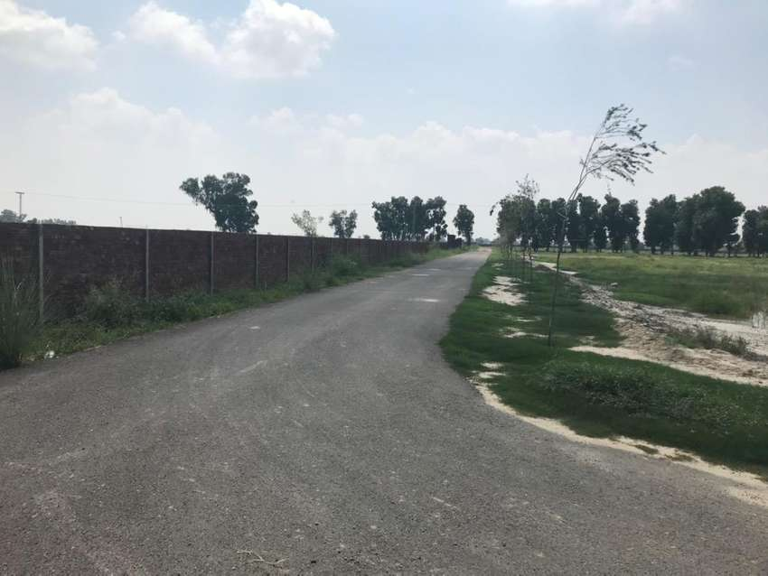 2,4,6,8 kanal farm house plots for sale Lahore Greenz On bedian Road
