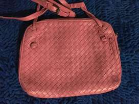 Preloved bottega veneta sling bag