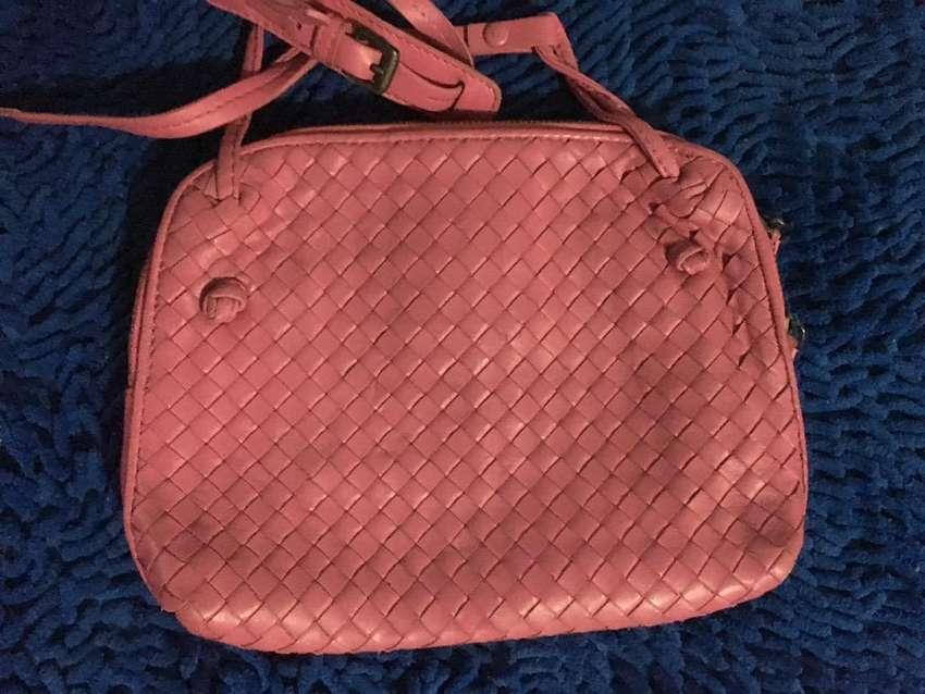 Preloved bottega veneta sling bag 0