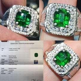 Batu Vivid Green Tsavorite Garnet Sertifikat 2.72 crt