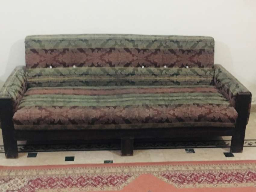 Sofa of 5 seated 0