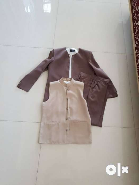 suit size suitable to 12 to 14 age group 0