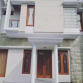 Rumah sewa mewah dalam perumahan elite