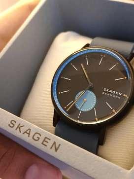 Skagen watch with bill in excellent condition