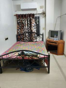 2Bhk flat for rent with 2 toilet in Tollygunge
