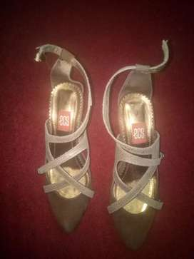 Ladies original shoes just 1 time used