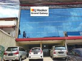 DIJUAL Rukan gandeng strategis 3 lantai di Pondok Kelapa,Jaktim