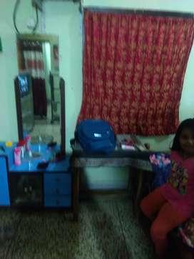 Girls sharing room on rent