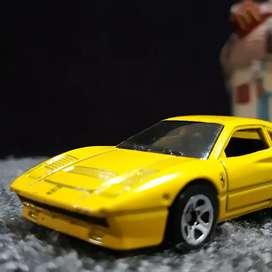 Hot Wheels Ferrari 288 GTO Vintage Kuning