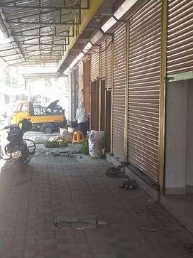 3 ഷട്ടർ Room for sale near vegitable market at muvattupuzha