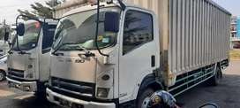 Truk isuzu Giga FRR90Q 2012 box 7,9m bagus siap kerja luar kota