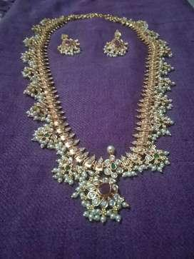 One gram gold Guthi poosala haram 2500/-