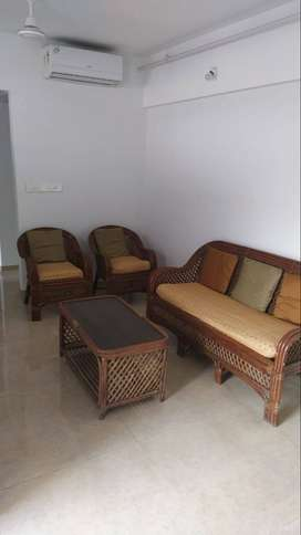 LAKESHORE GREEN 2 BHK FLAT ON RENT FULLY FURNISHED FLAT