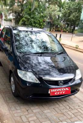 Honda City ZX 2005 Petrol Well Maintained always company serviced