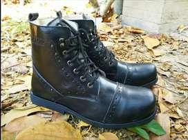 Sepatu boots best quality