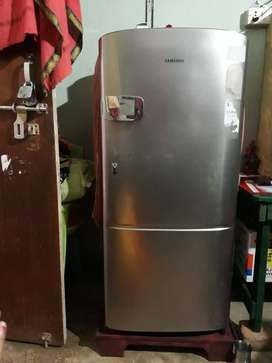 Samsung 225 ltr 1.5 year old In exelent condition