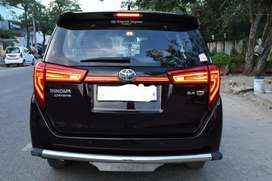 Innova crysta led tail light with scanning function