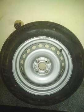 Car tyre Mrf 185/65 R15