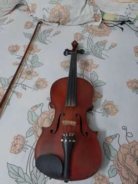 Violin with bow and box