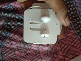Apple original earphone