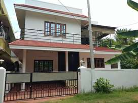 3 bhk 1650 sqft 4 cent new build houde at edapally near elamakkara