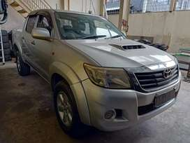 Toyota Hilux Double Cabin Pickup 2013 TT  Microbus