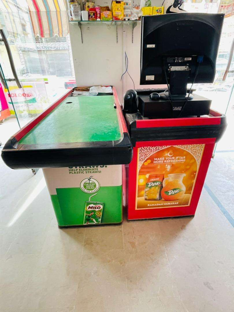 Cash Counter For Mart Grocery Store Hight,33 Length,6ft.