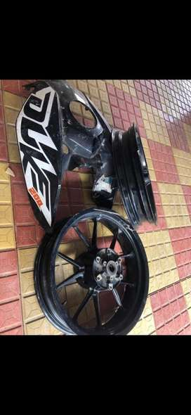 ktm duke 200 rims and fuel tank