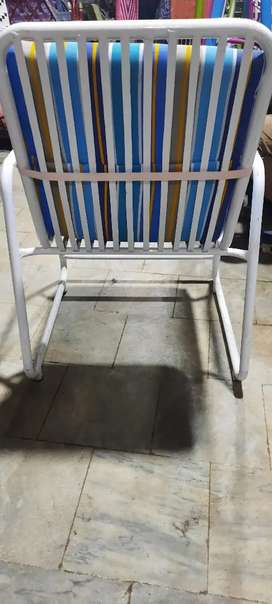 Chairs nd Table