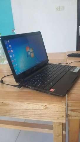 Acer aspire one 722 320GB HDD Ram 2GB