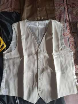 3 piece suit with wasscoat