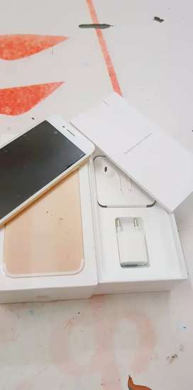 Sell iPhone 7  128 with bill box 6 months sellers warranty