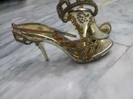 Only one time use beautiful pair of sandal