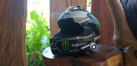 Djual helm shark