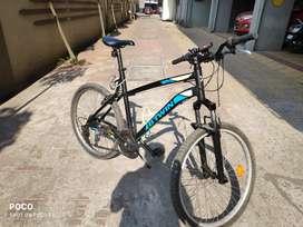 BTWiN Rock rider 340 MTB Cycle