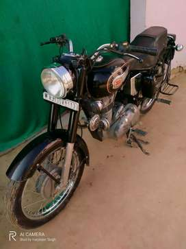 Very Good Condition Singal hand driven