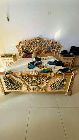 King size bed with 2 side table dressing table