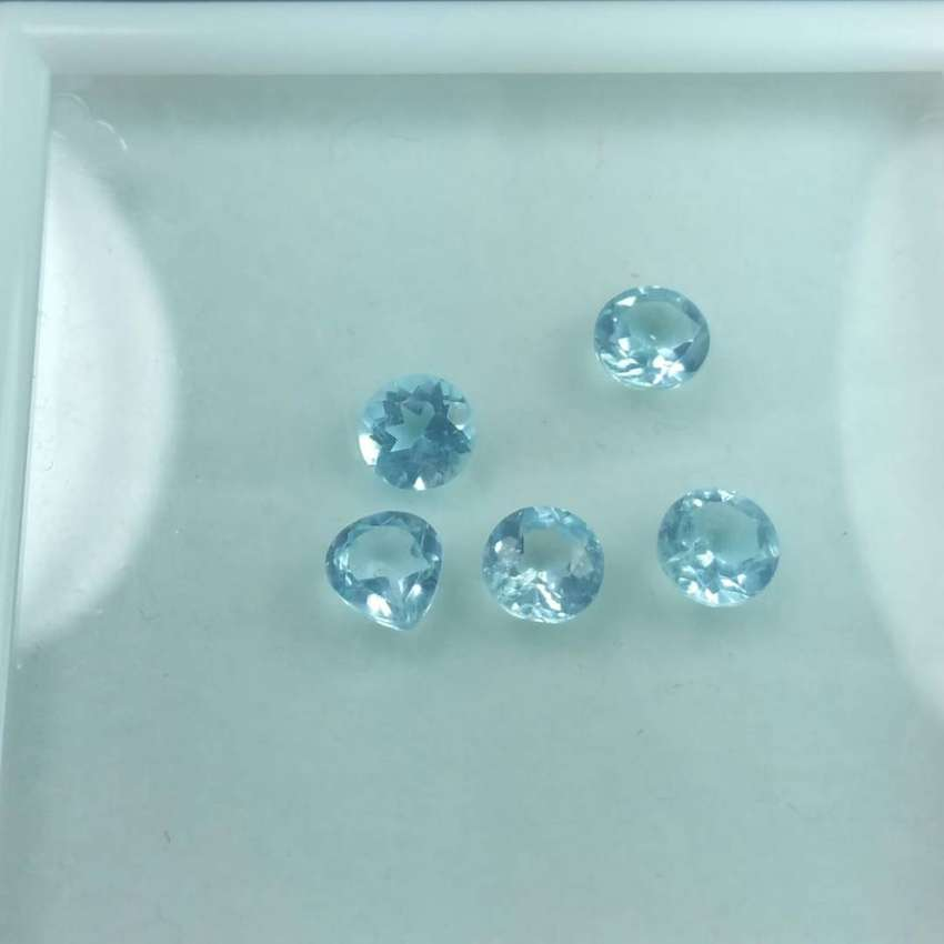 Blue Topaz Gemstones Lot 0