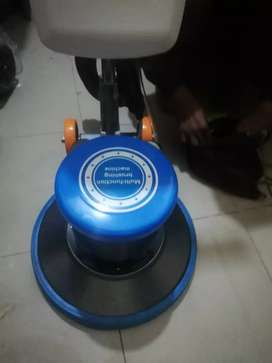 Floor cleaning and Scrubbing machine