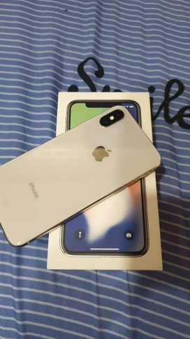 I PHONE X. WHITE COLOUR