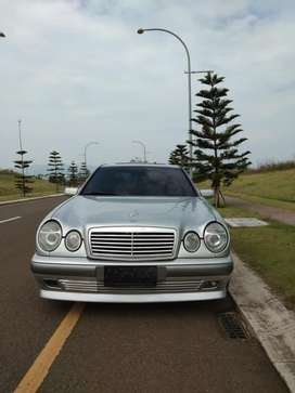 Mercedes Benz New Eyes W210 E230 Manual Classic Silver