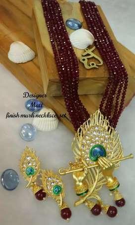 Branded jewellery for ladies