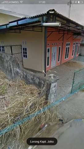 Disewakan rumah di tengah kota depan jamtos