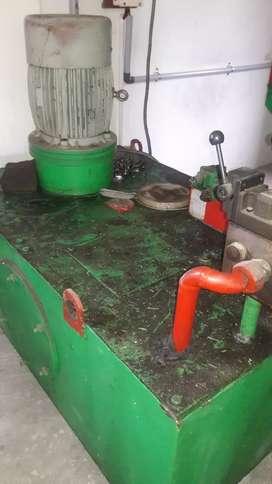 Hydraulic press  Rs 4,50000