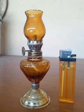Mini lampu minyak lawas
