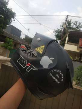 KYT R10 Helm+Sarung