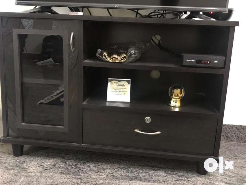 Tv unit for urgent sale !!! 0
