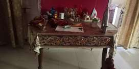 Saagwan wood dining table in perfect condition