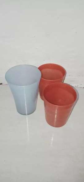 Gelas gelas plastik