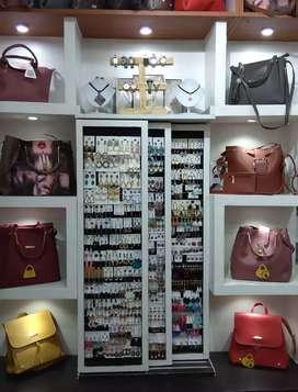 Ladies fashion accessories